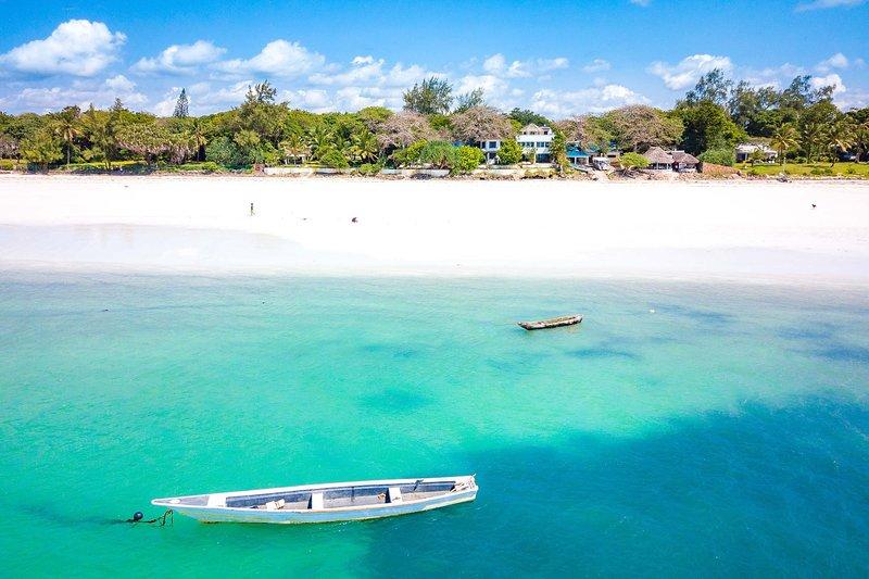 Tequila Sunrise Beach Villa - Diani Beach - Kenya, vacation rental in Galu Beach