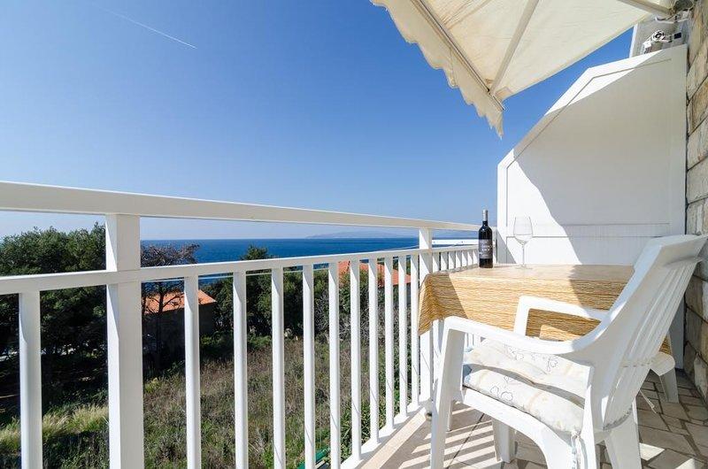 Apartments Villa Ana Dingač - One Bedroom Apartment with Balcony 3, aluguéis de temporada em Potomje