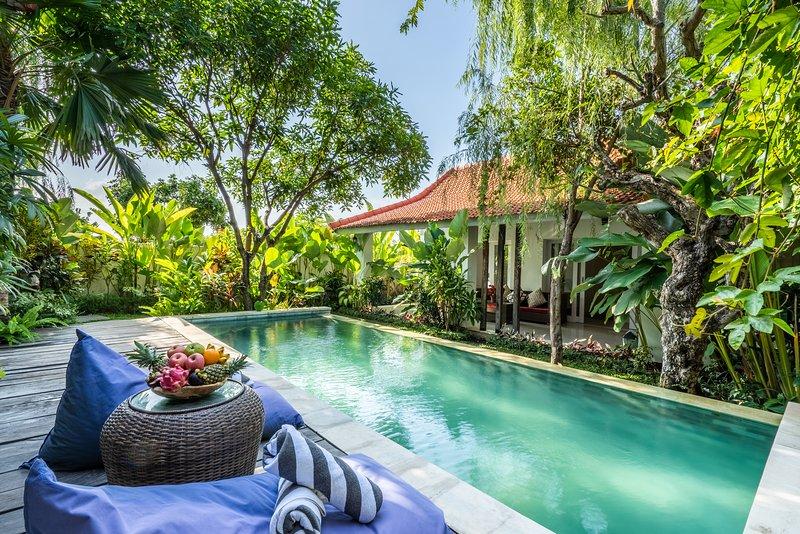 Beautiful 3 Bedroom Villa near Finns beach, Canggu, alquiler de vacaciones en Tibubeneng