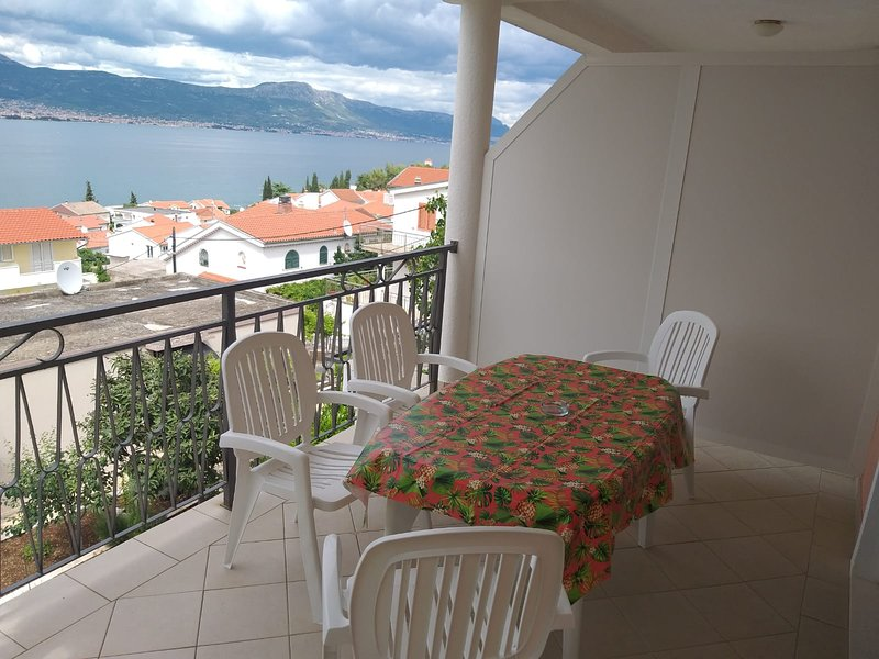 Villa Narona Apartment 1, holiday rental in Zedno