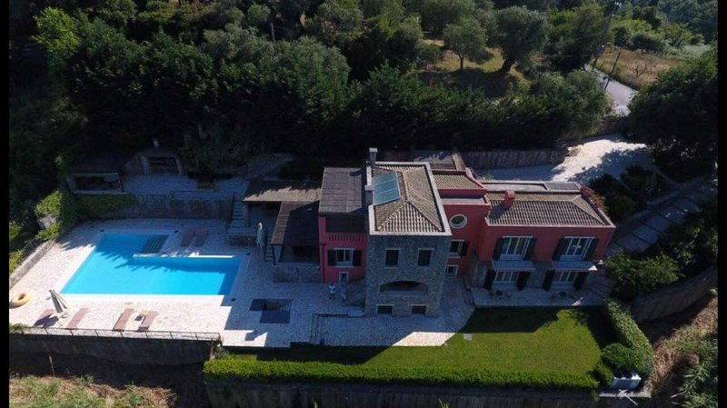 Villa Antonella by Olive Villa Rentals, vacation rental in Pyrgi