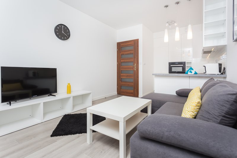 Self Check-in; near Tauron Arena; 1-bedroom, fully - equipped;bath; balcony, holiday rental in Wieliczka