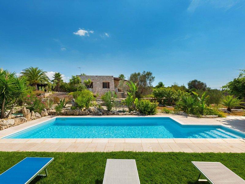 Torre Vado Villa Sleeps 8 with Pool Air Con and WiFi - 5832186, vacation rental in Torre Vado