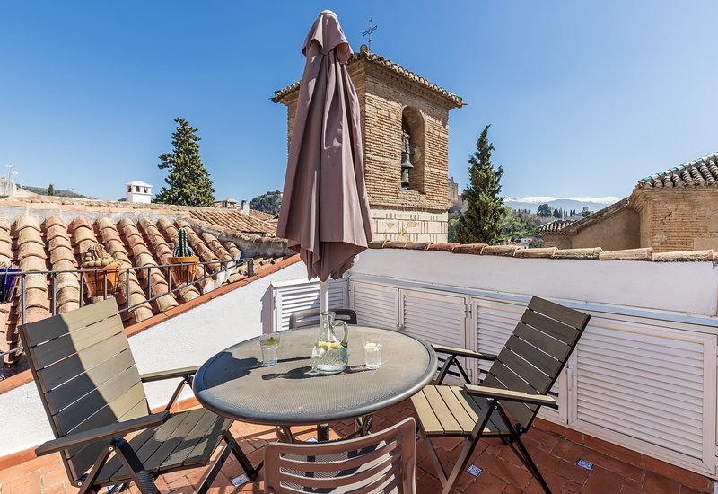 Charming & historic San José Apt 2A in Albaicin, vacation rental in Granada