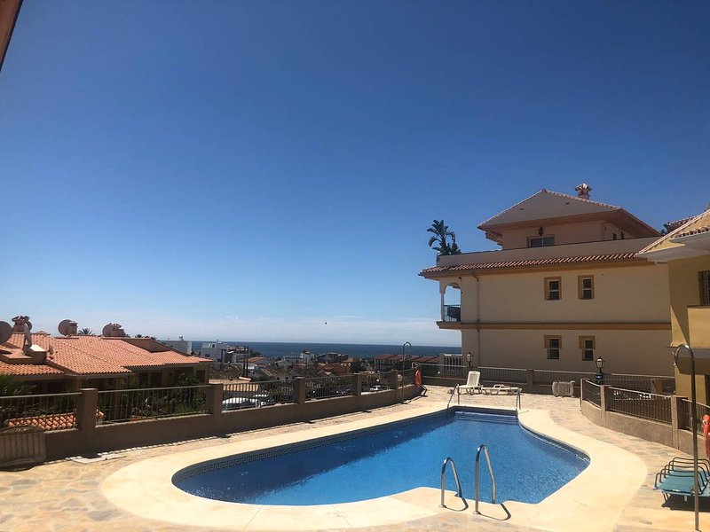 Nice apartment with shared pool, vacation rental in El Faro
