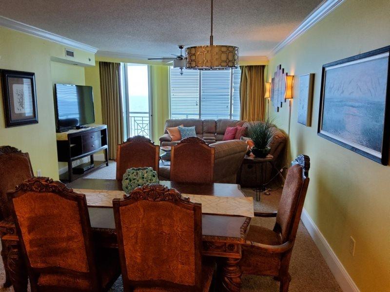 Mar Vista 812 (Premier 3 Bdrm/3 Bath) Oceanfront ***, vacation rental in North Myrtle Beach