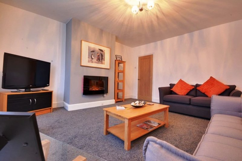 2 Bed Seaside Apartment nearby to Golf Course, casa vacanza a Formby