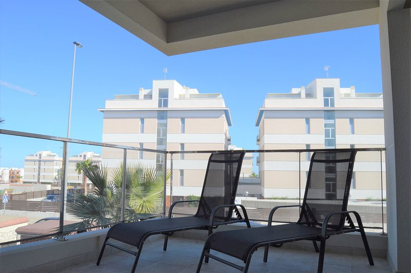 1st floor 3 bed luxury apartment Green Hills, holiday rental in Los Dolses