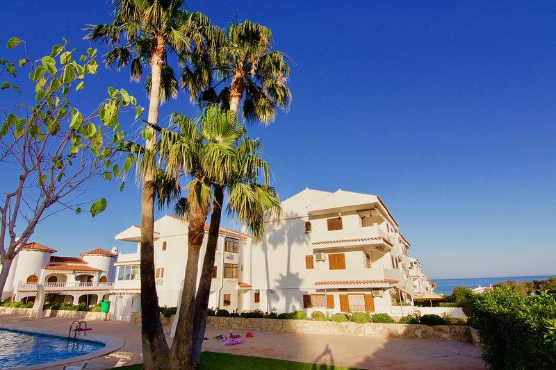 Apartamento en Hibiscus con WIFI Alcocéber, holiday rental in Alcala de Xivert
