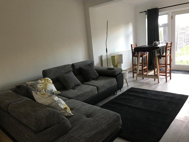 Impeccable 2-Bed Cottage in Dagenham, alquiler de vacaciones en Borough of Brentwood