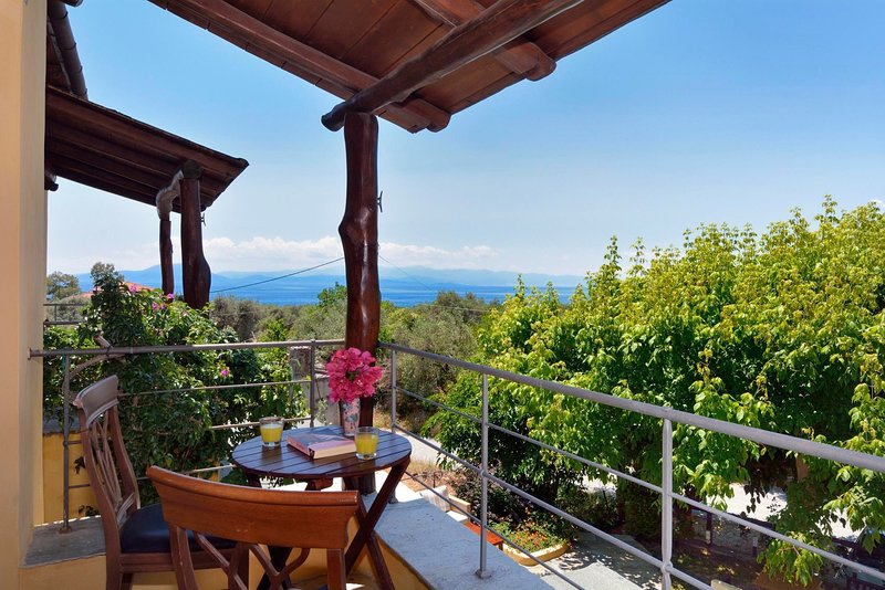 Private Bedroom in Kala nera - near the Beach with Wifi, vacation rental in Milies