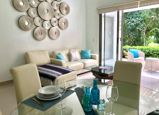 2 BEDROOM TOWNHOME AT BAHIA PRINCIPE RESORT, vacation rental in Chacalal