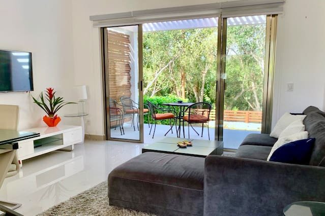 BEAUTIFUL TOWNHOME WITH GOLF COURSE VIEW, vacation rental in Chacalal