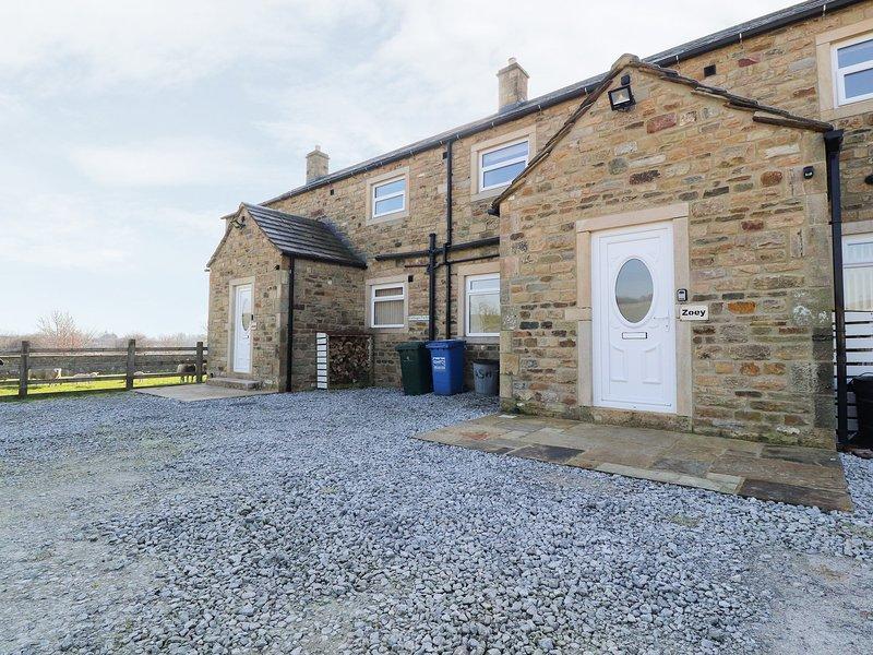 ZOEY COTTAGE, flexible sleeping arrangements, open fire, enclosed garden, walks, vacation rental in Thornton-in-Craven