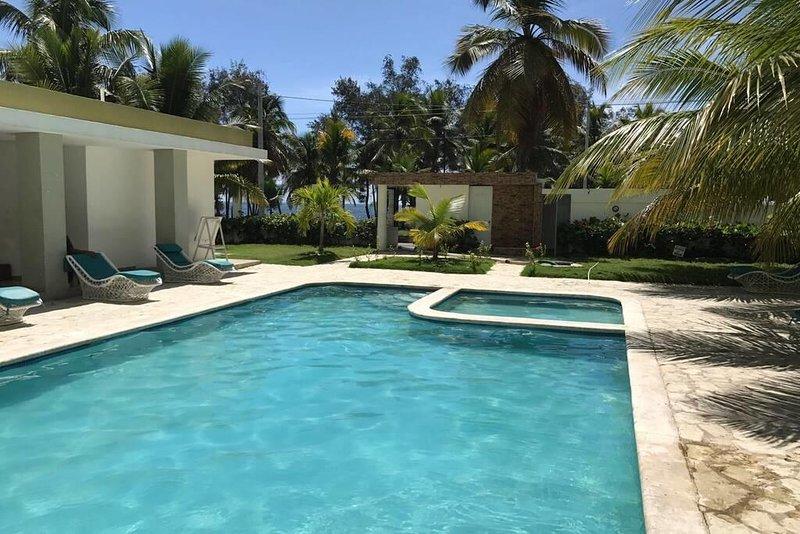 Comodo apartamento para 6 personas frente al mar, holiday rental in Santo Domingo Este