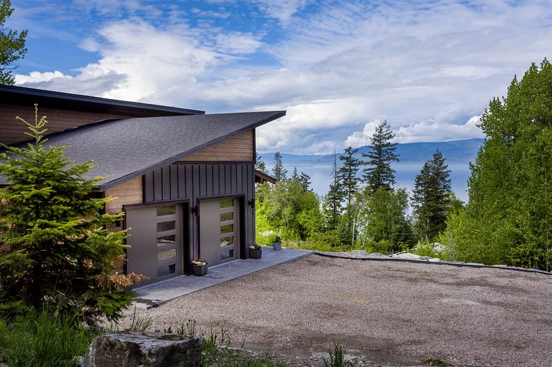 Flathead Valley - BF - Big Sky Bliss, holiday rental in Woods Bay