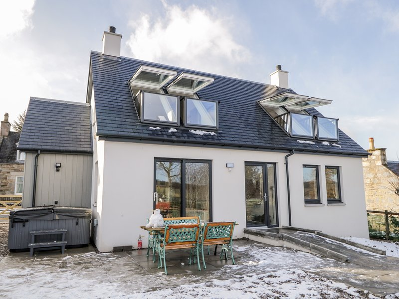 Berg Cottage, Tomintoul, holiday rental in Tomintoul