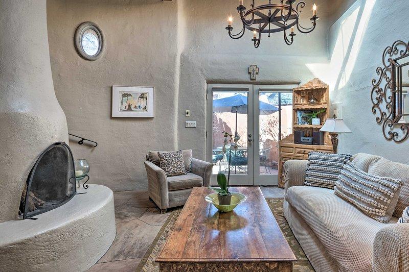 NEW! Adobe-Style Bungalow in Historic Santa Fe!, holiday rental in Santa Fe