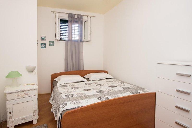 Two bedroom apartment Krapanj, Šibenik (A-18180-a), holiday rental in Krapanj