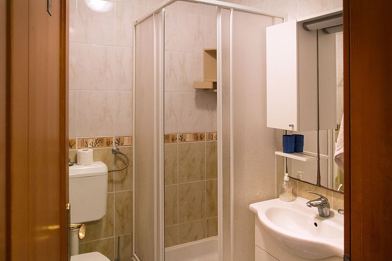 A5 Anja - 1.kat (3 + 2): baño con inodoro