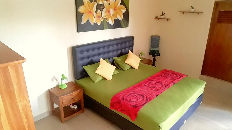 NEW LISTED Ubud Studio/Apartment With Private Kitchen at Ubud Arya 69 #1, alquiler vacacional en Melayang