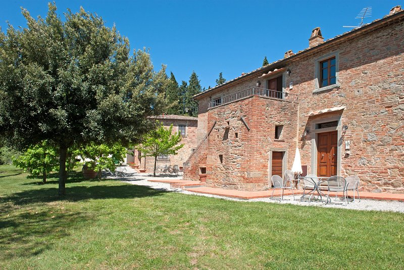 Montecchio Apartment Sleeps 6 with Pool Air Con and WiFi - 5834421, holiday rental in Appalto