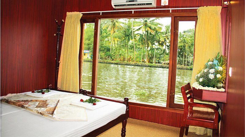 Kerala Houseboats, holiday rental in Alappuzha