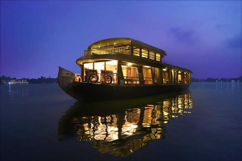 Upper Deck Houseboats, holiday rental in Alappuzha