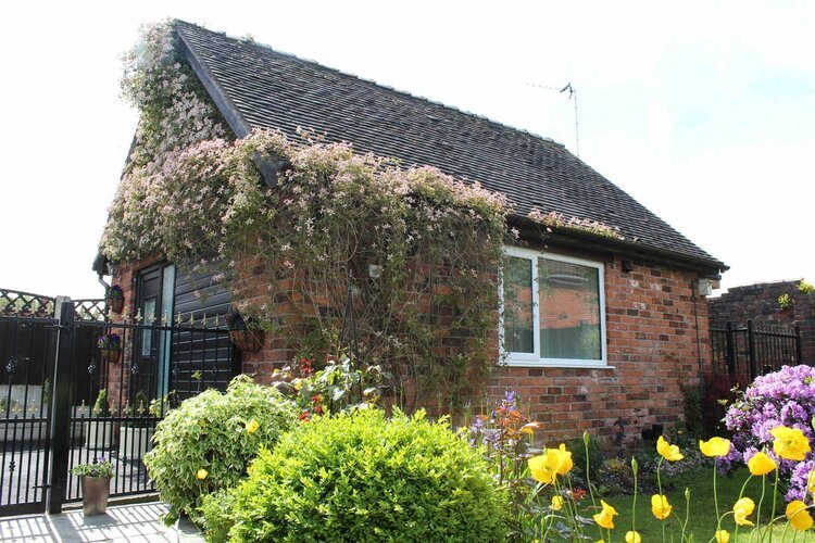 Montana Garden Studio, holiday rental in Bagnall