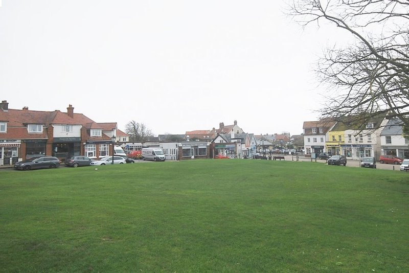 Milford on Sea - the only coastal village in Hampshire