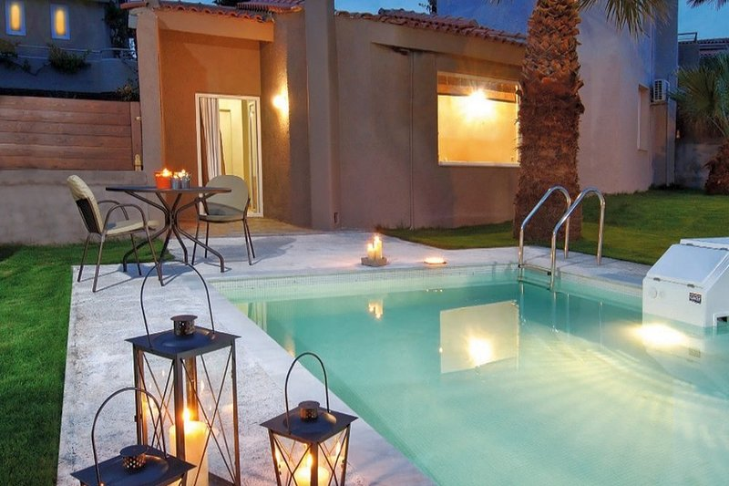 Cosy,luxury,private pool, close to the beach, holiday rental in Anissaras