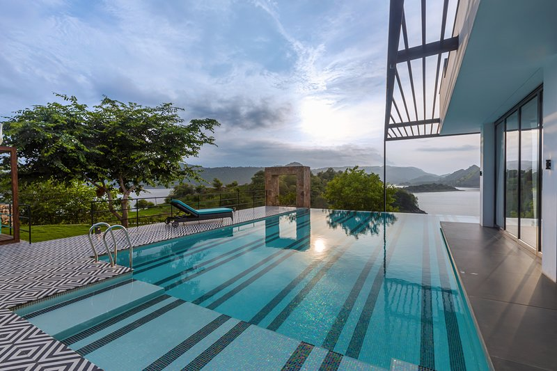 Villa Habu - A Luxury Island Getaway, vacation rental in Udaipur District