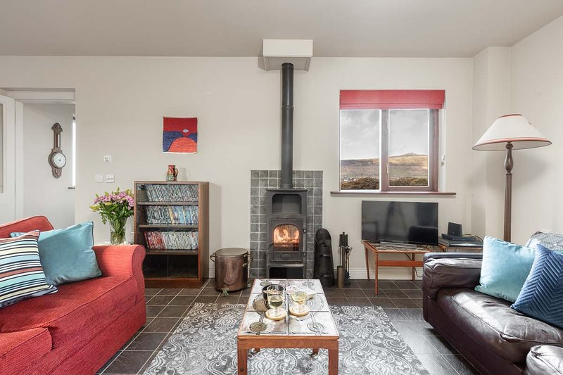 Duinin Cottage – Majestic views in all directions, vacation rental in Ballyferriter