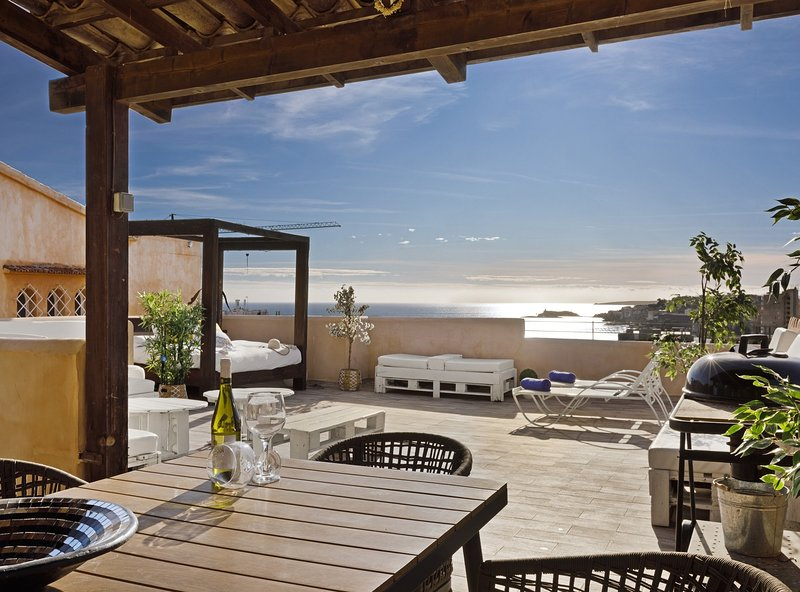 Villa Can Moya, piscina, wifi, aire acondicionado, vistas al mar, cerca de la, holiday rental in Portals Nous