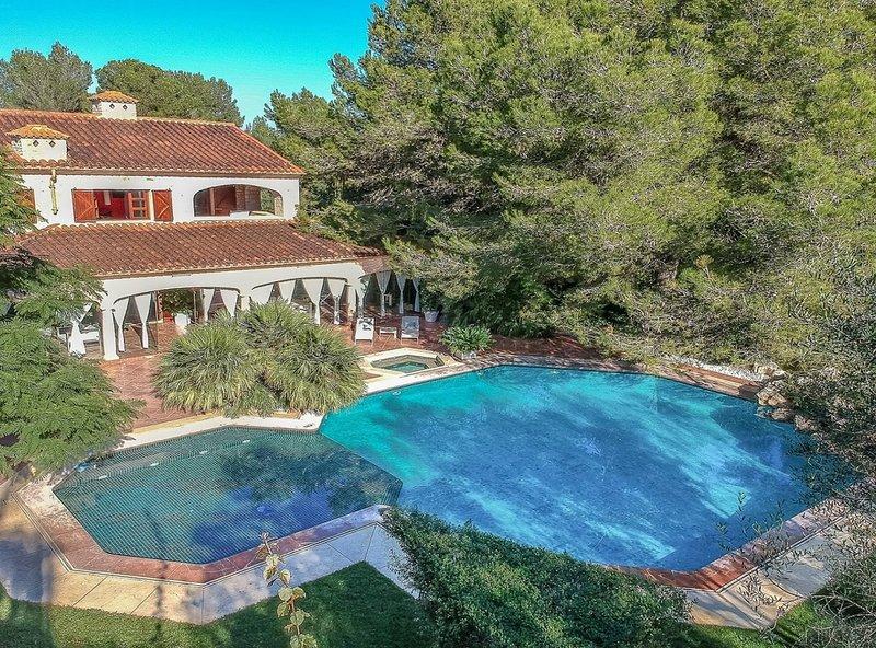 Villa Son Menusset, piscina privada, wifi, barbacoa,  aire acondicionado, sabor, vacation rental in Felanitx