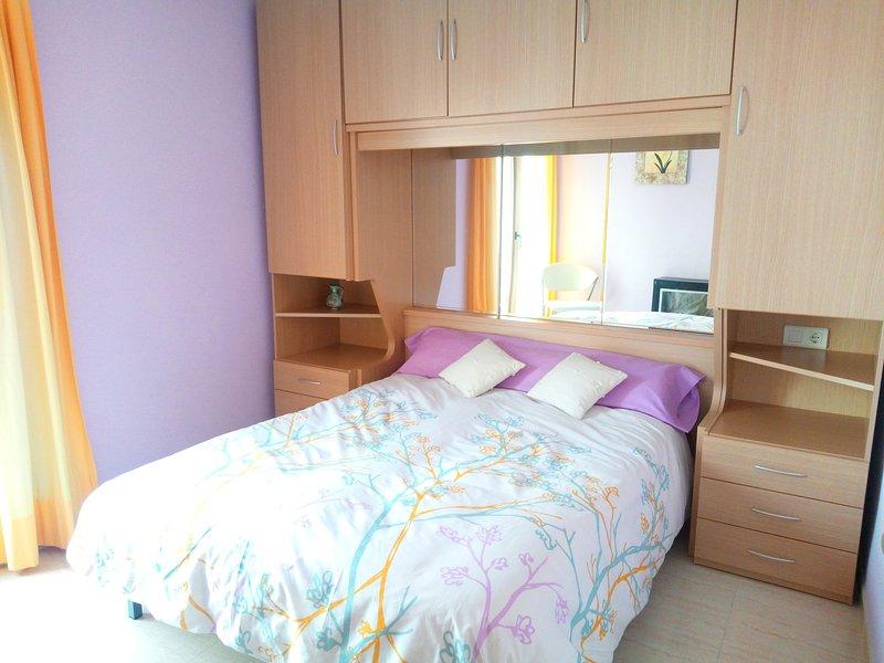Habitación privada en apartamento compartido, vacation rental in Villafranca del Cid