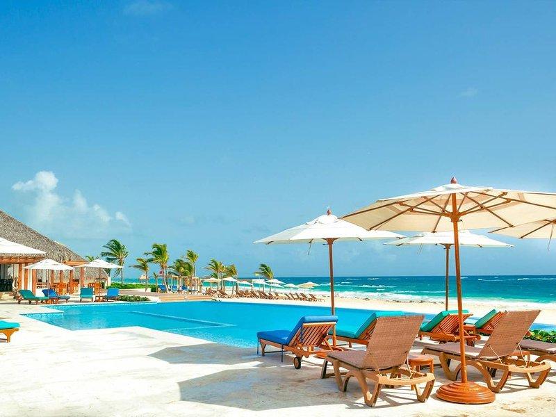 Pool View Suite Cana Bay 05 Playa Bavaro Punta Cana, holiday rental in Palmilla