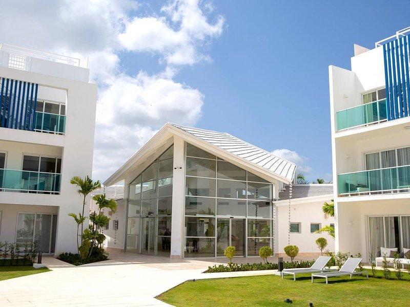 Pool View Suite Cana Bay 12 Playa Bavaro Punta Cana, holiday rental in Palmilla