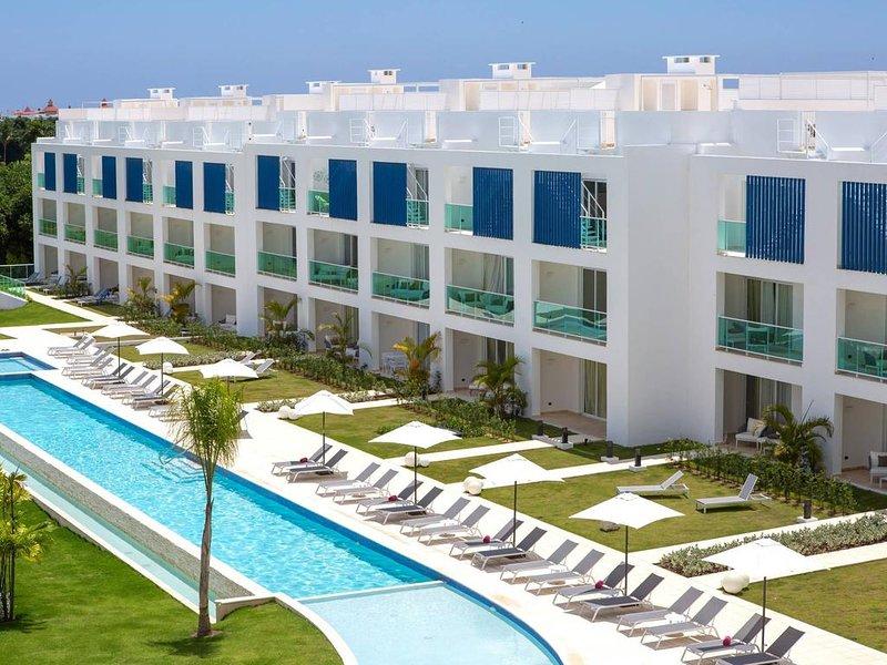 Pool View Suite Cana Bay 06 Playa Bavaro Punta Cana, holiday rental in Palmilla