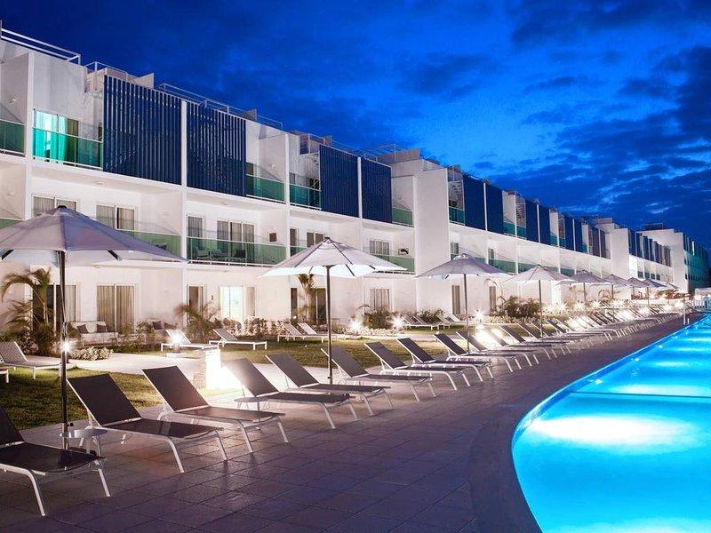 Pool View Suite Cana Bay 10 Playa Bavaro Punta Cana, holiday rental in Palmilla