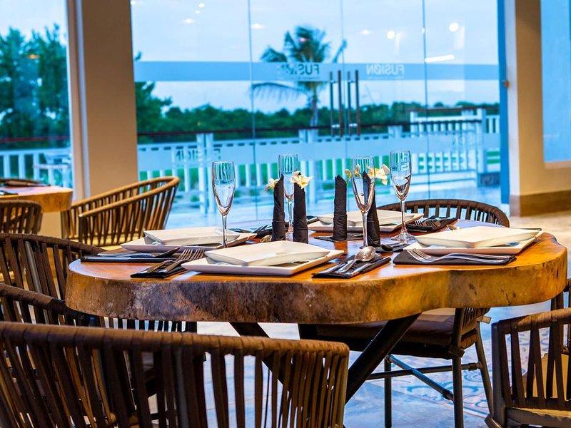 Pool View Suite Cana Bay 13 Playa Bavaro Punta Cana, holiday rental in Palmilla