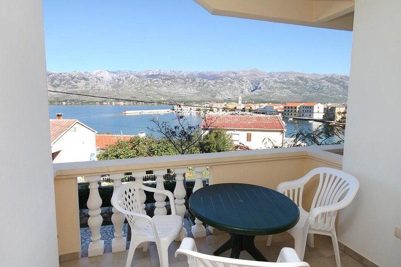 Vinjerac Apartment Sleeps 3 with Air Con - 5461864, vacation rental in Slivnica