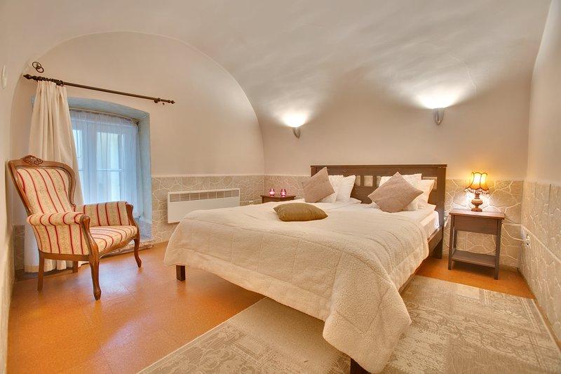 Daily Apartments - Old Town Romantic Apartment, alquiler vacacional en Keila