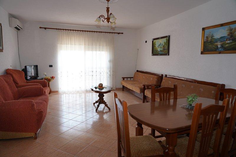 Apartament Arbi 2, holiday rental in Kavaje