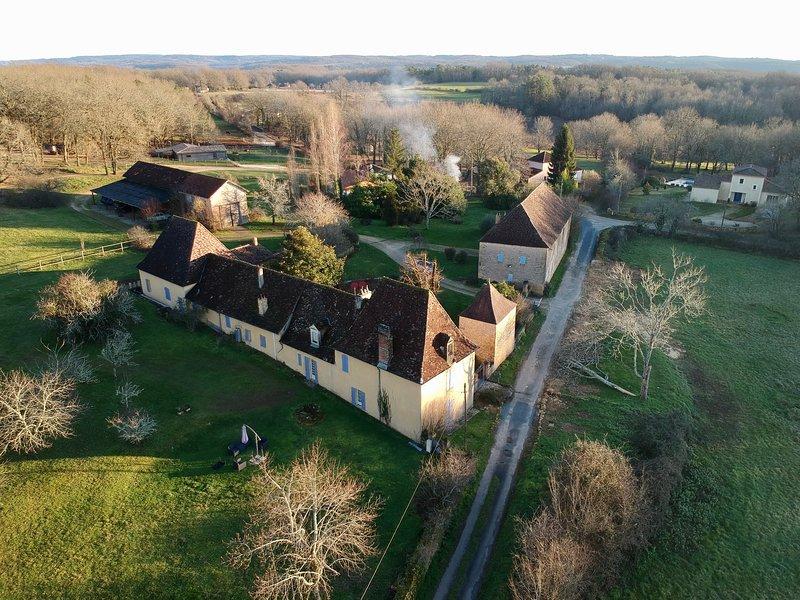 Chambre 'La Lumière des Collines' (Domaine de la Chartreuse Dautré), holiday rental in Pontours