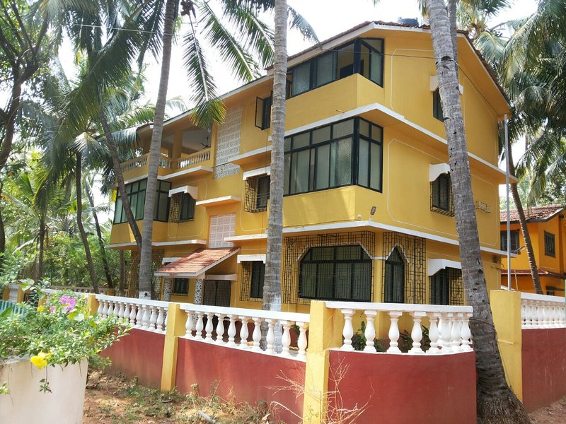 Shalom Guest House, vacation rental in Bardez
