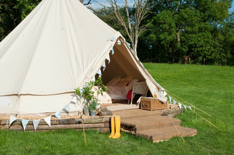 The Owl & The Pussycat Bell Tent - Family Zone, vacation rental in Winston