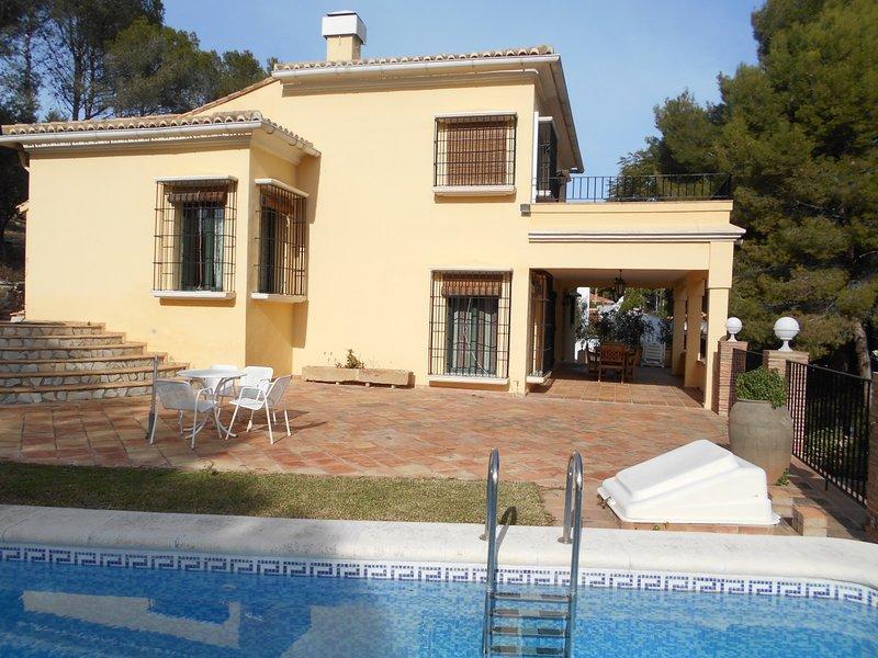 PRECIOSO CHALET EN PLENA MONTAÑA, holiday rental in Oliva