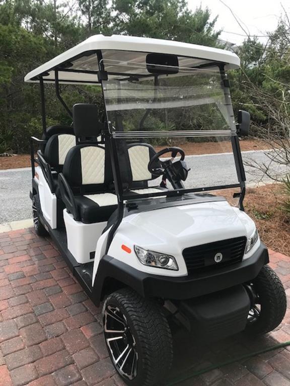 ¡Carro de golf incluido para usar durante su estadía!