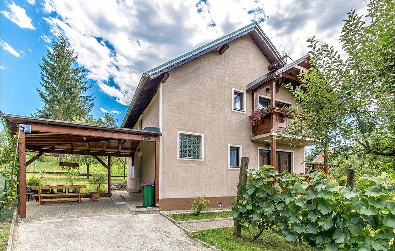 Stunning home in Bosiljevo with WiFi and 4 Bedrooms (CKB168), holiday rental in Bosiljevo